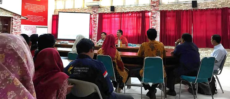Prodi Ilmu Politik UNNES Gelar Kuliah Umum Bersama Ketua P2P LIPI