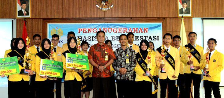 Dwi Hermawan Juara Harapan 2 Mahasiswa Berprestasi Tingkat Universitas Negeri Semarang Tahun 2018