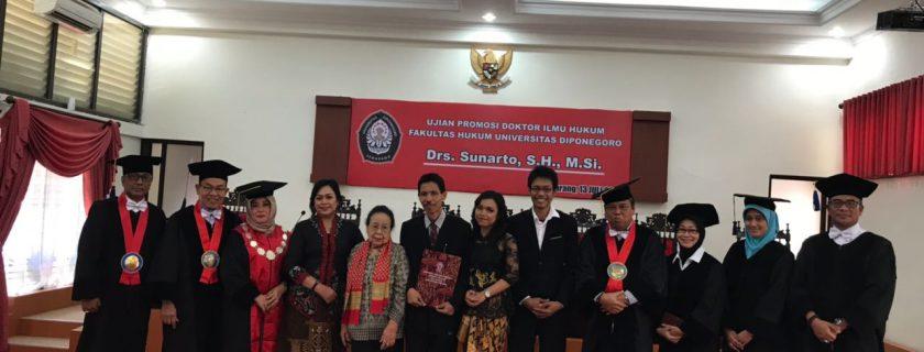 Teliti Checks and Balances antara DPR dan Presiden, Sunarto Raih Gelar Doktor
