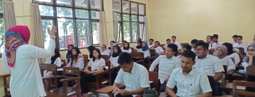 Kuliah Pertama Jurusan Politik dan Kewarganegaraan Berjalan Lancar